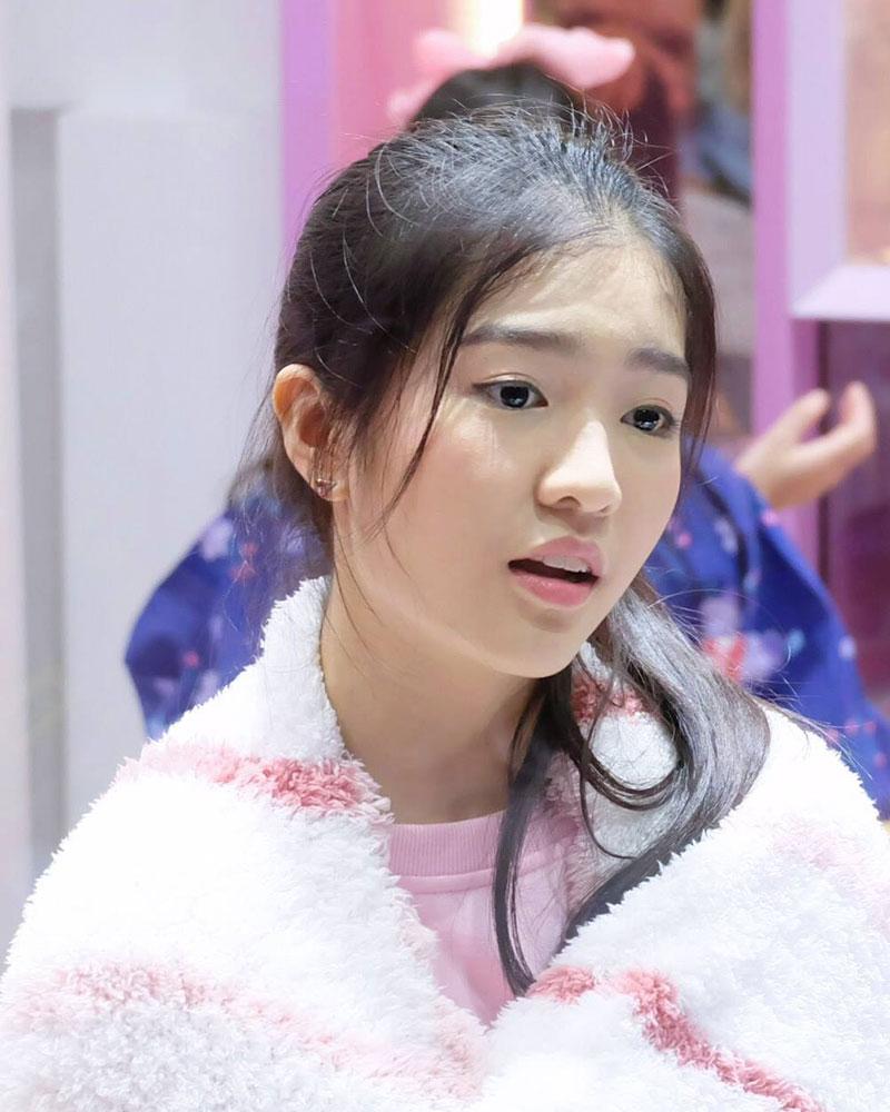 JennisBNK48_Pony4